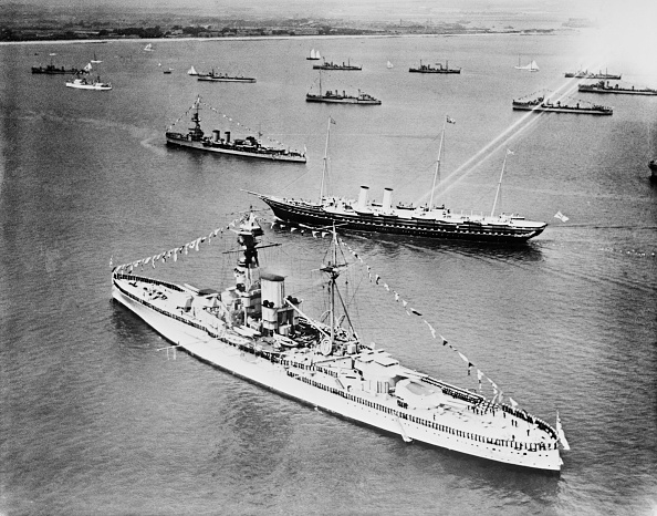 Above「Warships At The Spithead Review」:写真・画像(14)[壁紙.com]