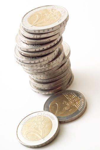 Paying「Pile of 2 Euro coins」:スマホ壁紙(17)