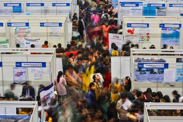 China - East Asia「Graduates Attends Job Fair In Tianjin」:写真・画像(8)[壁紙.com]