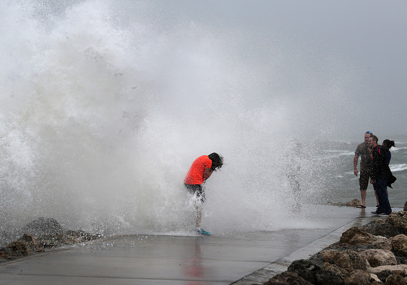 Weather「Isaias Remains A Tropical Storm As It Moves Up East Coast」:写真・画像(10)[壁紙.com]