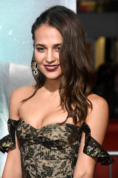 "Alicia Vikander「Premiere Of Warner Bros. Pictures' ""Tomb Raider"" - Arrivals」:写真・画像(14)[壁紙.com]"