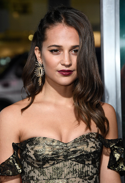 "Alicia Vikander「Premiere Of Warner Bros. Pictures' ""Tomb Raider"" - Arrivals」:写真・画像(18)[壁紙.com]"