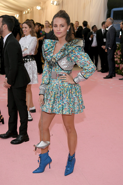 Alicia Vikander「The 2019 Met Gala Celebrating Camp: Notes on Fashion - Arrivals」:写真・画像(17)[壁紙.com]