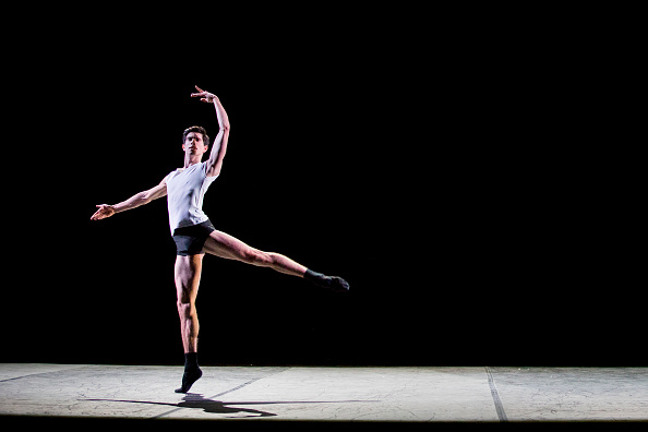 """Tristan Fewings「""""Men In Motion"""" Dress Rehearsal」:写真・画像(17)[壁紙.com]"""