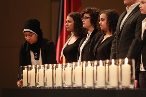 Lighting Equipment「Government Commemorates Neo-Nazi Murder Victims」:写真・画像(7)[壁紙.com]