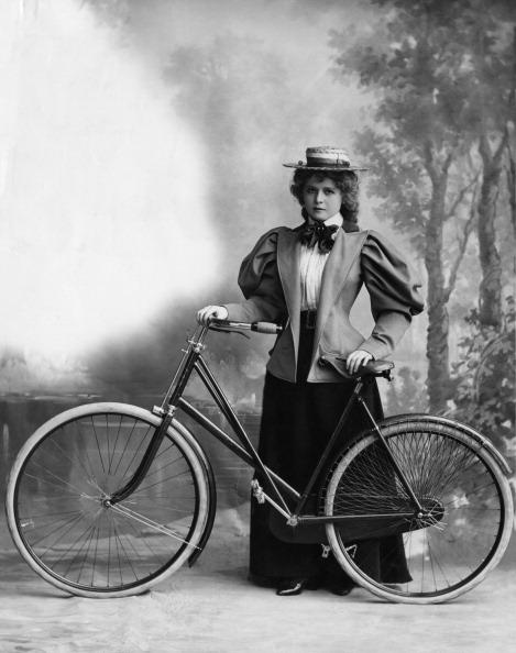 Only Women「Lady Cyclist」:写真・画像(3)[壁紙.com]