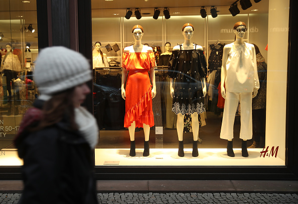 Clothing「Retailer H&M Struggles With Falling Profits」:写真・画像(15)[壁紙.com]
