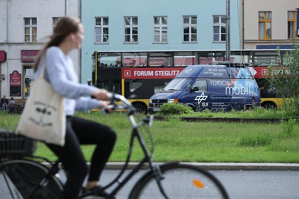 乗り物・交通「German Aerospace Center Analyzes Bicycle Traffic Accident Reduction Measures」:写真・画像(16)[壁紙.com]