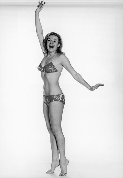 White Background「Bikini Model」:写真・画像(9)[壁紙.com]