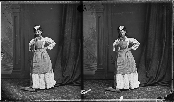 London Stereoscopic Company「Young Woman With Broom」:写真・画像(18)[壁紙.com]