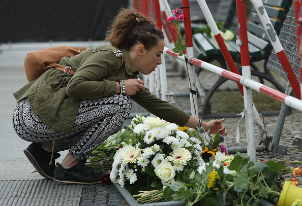 2016 Bastille Day Attack in Nice「World Reacts To The Nice Terrorist Attack」:写真・画像(8)[壁紙.com]