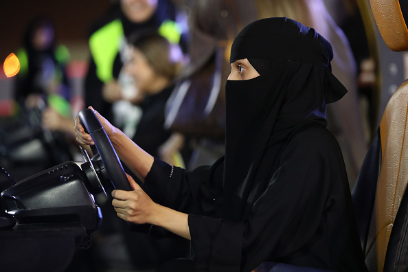 運転手「Saudi Women Prepare To Drive As Ban Nears End」:写真・画像(19)[壁紙.com]