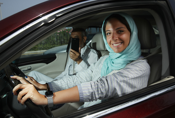 運転手「Women Begin Driving In Saudi Arabia」:写真・画像(2)[壁紙.com]