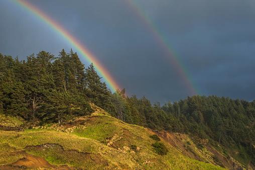 二重虹「Rainbows decorate the Oregon Coast」:スマホ壁紙(18)