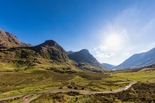 Mountain Pass「Great Britain, Scotland, Scottish Highlands, Glencoe, Glen Coe, The Pass of Glen Coe, Mountain massif Bidean Nam Bian」:スマホ壁紙(16)