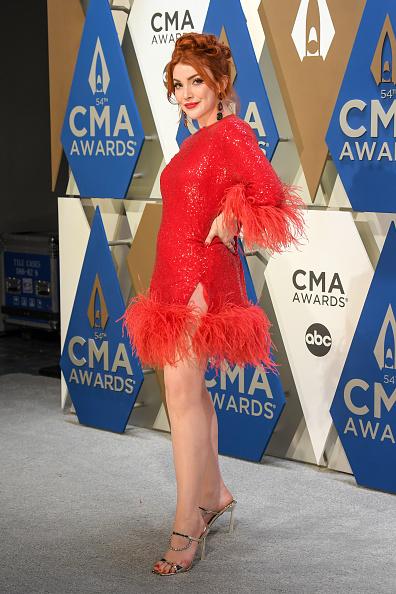 Music City Center「The 54th Annual CMA Awards - Arrivals」:写真・画像(6)[壁紙.com]