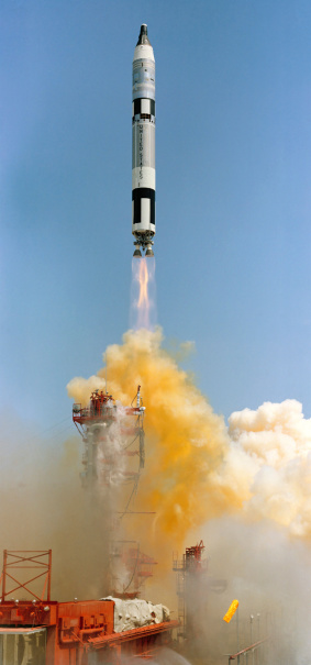 1960-1969「June 3, 1965 - The Gemini-Titan 4 spaceflight launches from Cape Canaveral, Florida. 」:スマホ壁紙(1)