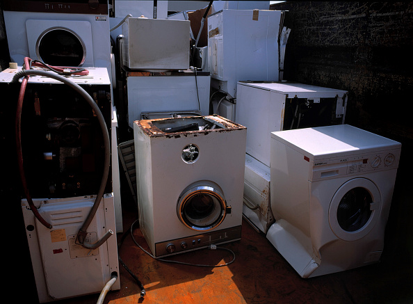 Broken「Broken washing machines collected for recycling」:写真・画像(18)[壁紙.com]