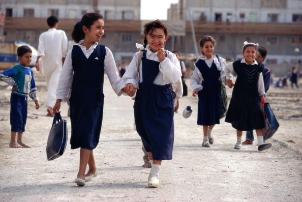 Tom Stoddart Archive「Basra Schoolgirls」:写真・画像(5)[壁紙.com]