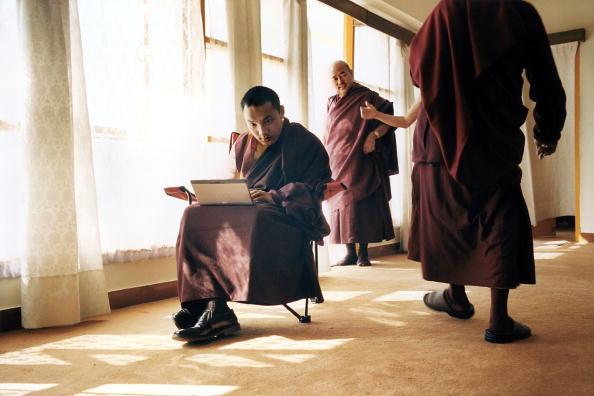 Tom Stoddart Archive「17th Karmapa,The Boy God」:写真・画像(6)[壁紙.com]