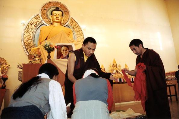 Tom Stoddart Archive「17th Karmapa,The Boy God」:写真・画像(17)[壁紙.com]