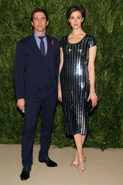 一輪の花「CFDA And Vogue 2013 Fashion Fund Finalists Celebration - Arrivals」:写真・画像(19)[壁紙.com]