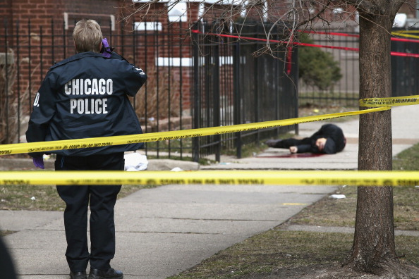 Murder「Gun Violence Claims Another Victim On Chicago Streets」:写真・画像(10)[壁紙.com]