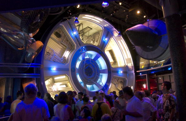 "Waiting「""Mission: Space"" At Epcot」:写真・画像(4)[壁紙.com]"