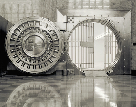 Banking「Bank vault with open door & grill (B&W)」:スマホ壁紙(19)