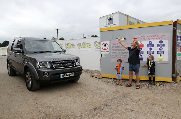 Soccer「David Beckham Opens Affordable Housing Project In Pilton Village」:写真・画像(14)[壁紙.com]