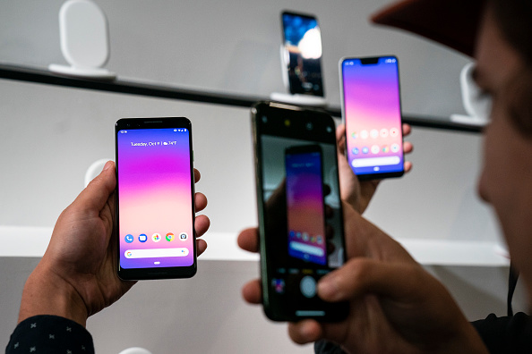 Photographing「Google Launches Its New Pixel 3 Smartphone」:写真・画像(16)[壁紙.com]