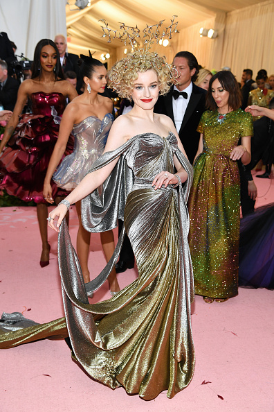 Silver Colored「The 2019 Met Gala Celebrating Camp: Notes on Fashion - Arrivals」:写真・画像(3)[壁紙.com]