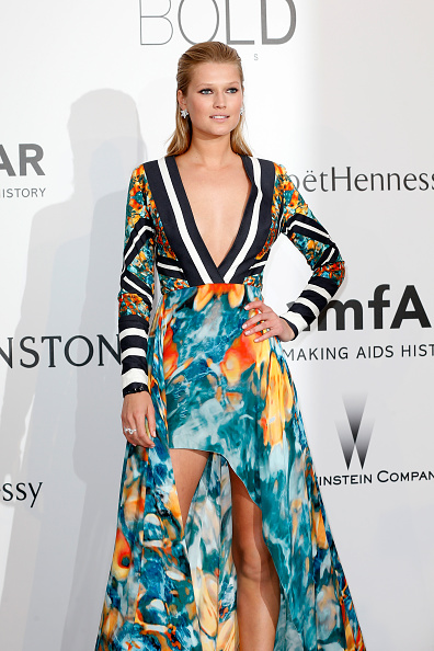 High Low Dress「amfAR's 22nd Cinema Against AIDS Gala, Presented By Bold Films And Harry Winston - Arrivals」:写真・画像(3)[壁紙.com]