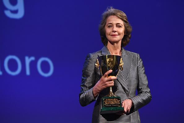 Charlotte Rampling「Award Ceremony - 74th Venice Film Festival」:写真・画像(19)[壁紙.com]