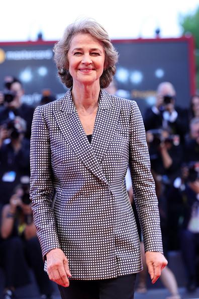 Charlotte Rampling「Award Ceremony Arrivals - 74th Venice Film Festival」:写真・画像(10)[壁紙.com]