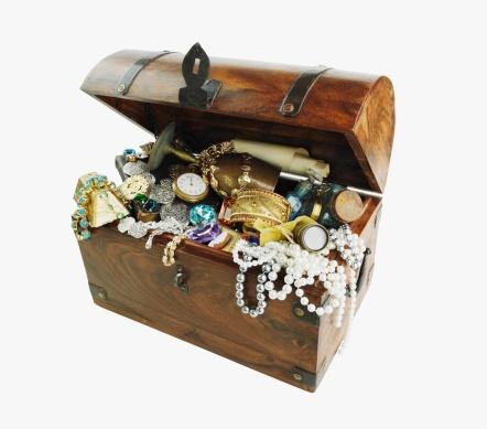 Jewelry「Studio shot of treasure chest」:スマホ壁紙(2)