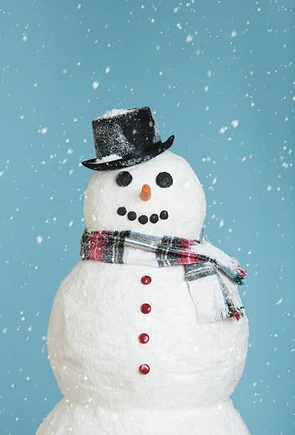 Studio shot of snowman:スマホ壁紙(壁紙.com)
