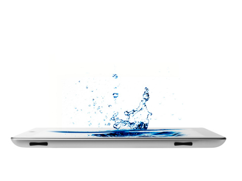 Convenience「Studio shot of water splashing on digital tablet」:スマホ壁紙(12)