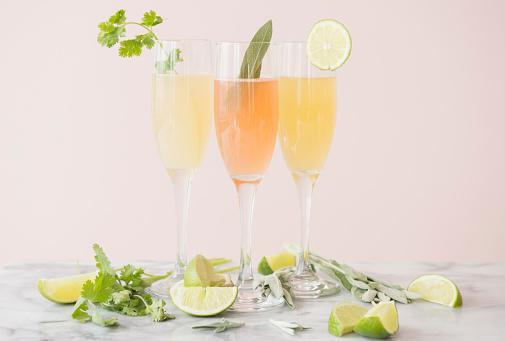 Mint Leaf - Culinary「Studio shot of refreshing cocktails」:スマホ壁紙(17)