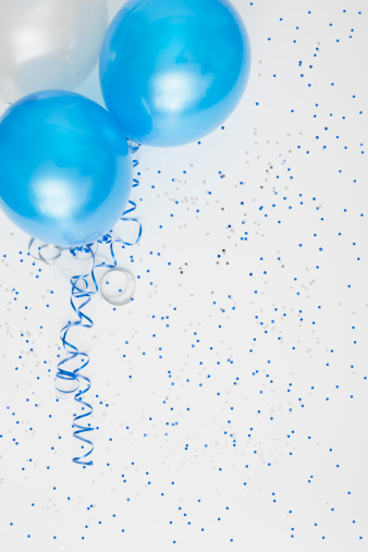 Celebration「Studio shot of balloons on colored spotted background」:スマホ壁紙(16)