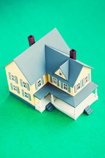 House「Studio shot of model of house」:スマホ壁紙(1)