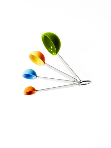 計測道具「Studio shot of multicolored measuring spoons」:スマホ壁紙(17)
