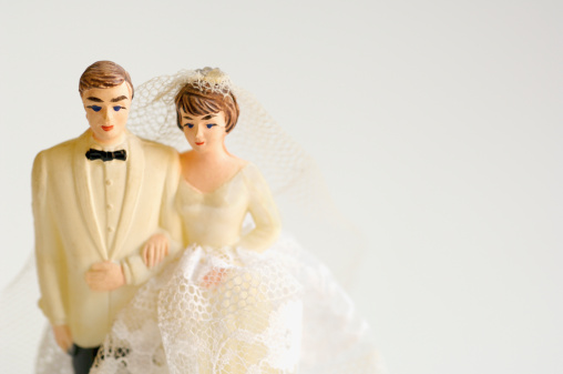 Married「Studio shot of bride and groom figurines」:スマホ壁紙(10)