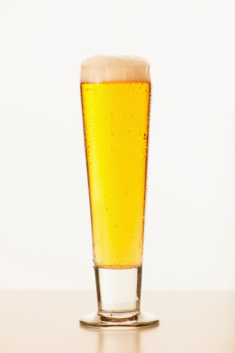 新鮮「Studio shot of pale ale in glass」:スマホ壁紙(9)