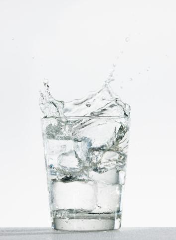 Soda「Studio shot of glass of water with splash」:スマホ壁紙(11)