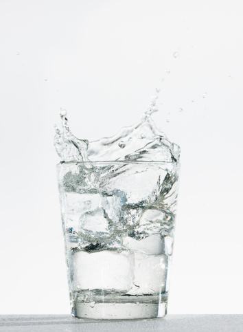 Soda「Studio shot of glass of water with splash」:スマホ壁紙(7)