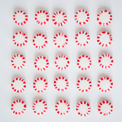 Square Shape「Studio Shot of rows of Peppermint Candies」:スマホ壁紙(11)