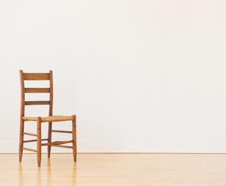 Chair「Studio shot of old chair」:スマホ壁紙(8)