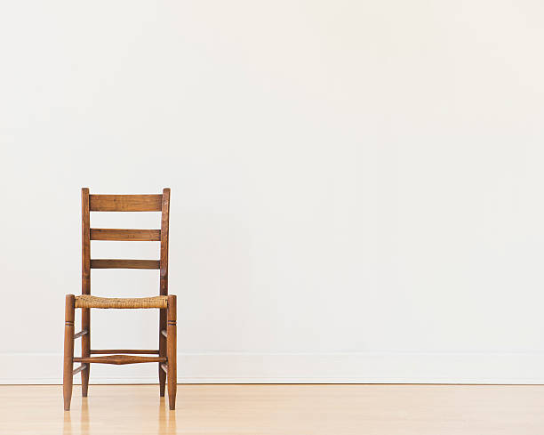 Studio shot of old chair:スマホ壁紙(壁紙.com)