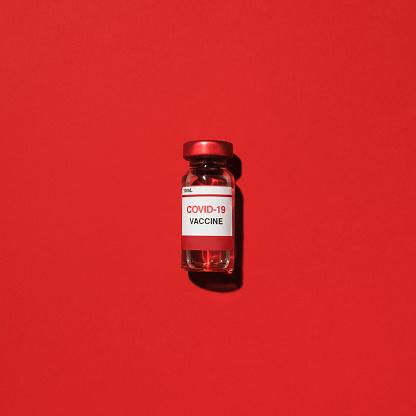 Science「Studio shot of vial with Covid-19 vaccine」:スマホ壁紙(17)